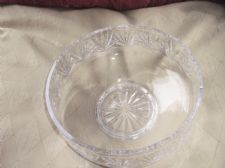 LARGE HEAVY LEAD CRYSTAL GLASS FOOTED BOWL DEEP DISH DEEP CUT 1622g 8""